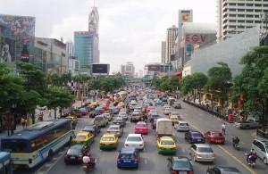 Ondanks het drukke verkeer is Bangkok een fascinerende en boeiende stad.