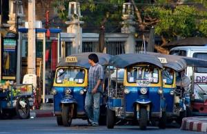 De tuktuk is in Bangkok een ideaal vervoersmiddel voor korte afstanden.