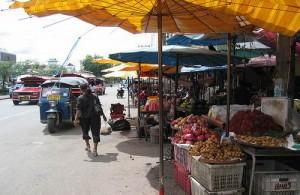 De vele markten bepalen het stadsbeeld van Chiang Mai.