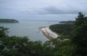 Het Khao Sam Roi Yot National Park heeft een prachtige kustlijn.