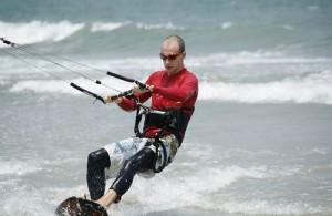 Kitesurfing op de Golf van Thailand.