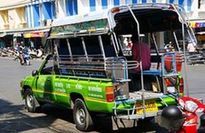 De songtaew is in Hua Hin en Cha-am groen van kleur.