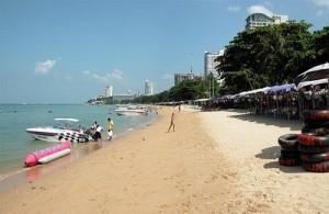 Centraal Pattaya heeft een strand van 3 kilometer.