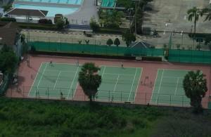 Voor tennis kun je in Pattaya terecht op een van tenniscourts.
