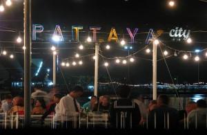 Pattaya heeft vele eetgelegenheden met zowel Thaise als westerse gerechten.