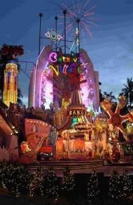 Festival Village is een futuristisch dorpje in Thaise stijl.