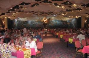 Het Golden Kinnaree Restaurant is het grootste buffetrestaurant ter wereld.