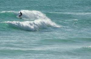 De zuidpunt van Kata is een favoriete plek bij surfers.