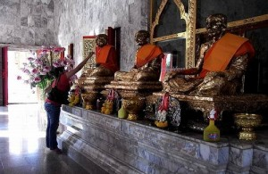 De tempel is gewijd aan twee beroemde eerbiedwaardige monniken.
