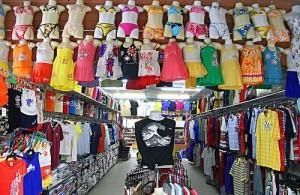 Ben je op zoek naar kleding? Ga dan op Phuket eens gezellig winkelen.