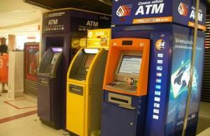 ATM (pinautomaten) zijn een bekend gezicht in Thailand.