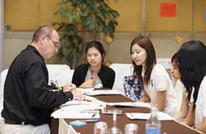 Voor vele managementfuncties kom je in Thailand in aanmerking voor een werk vergunning.