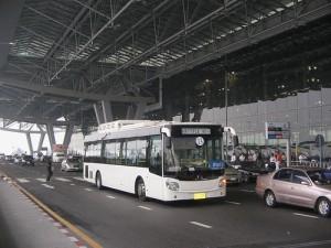 Vanaf level 1 op vliegveld Suvarnabhumi kun je een gratis transfer maken naar het PTC.