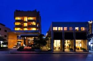 Het Unico Sandara hotel ligt in het noordelijk deel van Cha-am.