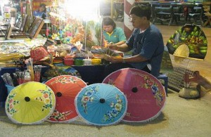 Je ziet op de Sunday Night Market veel lokaal gemaakte producten.