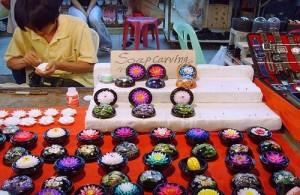 De Chiang Mai Night Bazaar is een sfeervolle en gezellige avondmarkt.