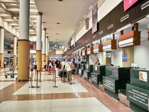 Phuket International Airport is een goed georganiseerd vliegveld.