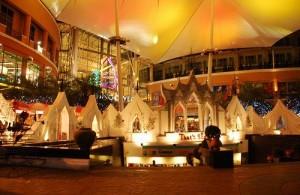 In Jungceylon zijn meer dan 200 winkels, een bioscoop en een bowlingbaan gevestigd.