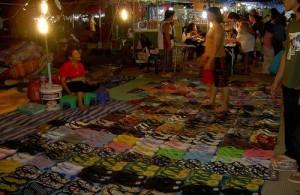 De Cherng Talay market is een kleinere versie van de Chao Fah market.