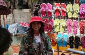 De Taling Chan markt is een aardig alternatief voor de Damnoen Saduak markt.