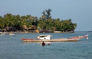 Op het strand van Chaweng worden allerlei watersport activiteiten aangeboden.