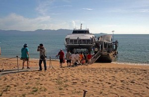 Vanaf Mae Nam kun je met de veerboot naar Koh Pha Ngan en Koh Tao.