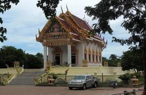 Wat Khun Aram ligt in het zuiden van Koh Samui.