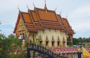 Wat Plai Laem is de meest kleurrijke tempel van Koh Samui.