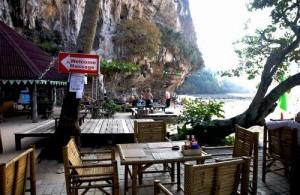 Het Ton Sai Bay Resort is geliefd bij jongeren.