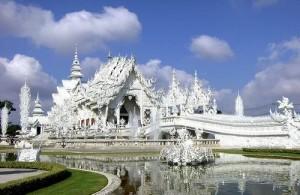 De White Temple is een van de meest herkenbare tempels van Thailand.