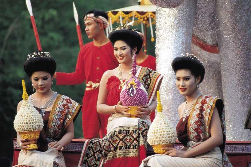 Gewoontes, tradities en cultuur spelen in de Thaise samenleving een belangrijke rol.