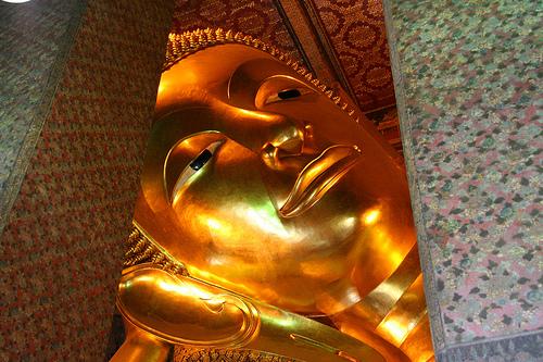 hoofd liggende boeddha in wat pho
